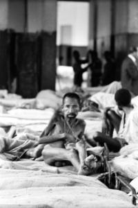 Homens e mulheres morriam de inanição. (Fotos: Luiz Alfredo/Museu da Loucura (1961))
