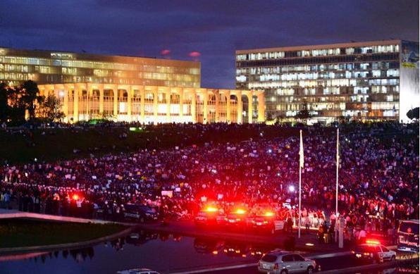 Brasília protesta. (Ronaldo de Oliveira/CB/D.A Press)