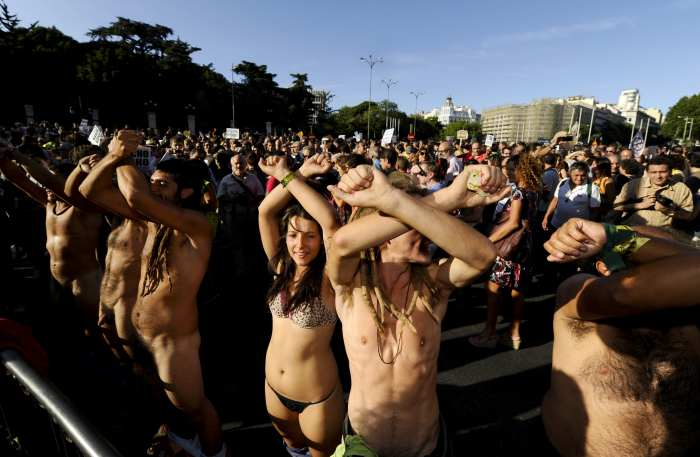 Protesto em Madri, Espanha, contra o altíssimo desemprego. Foto: Pierre-Philippe Marcou/AFP, em 2011.
