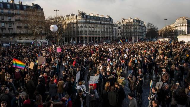 125 mil participaram de protesto a favor do casamento gay em Paris, na França, em janeiro de 2013. Foto: Benjamin Girette / AP