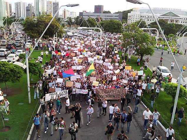 Salvador protesta. (Nelson Barros Neto/Folhapress)