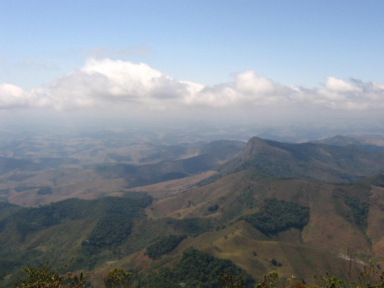 Vista no topo do Pico do Pião, em Ibitipoca.