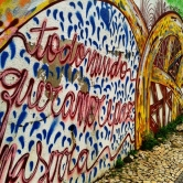 Grafite em rua que corta a Prof. Estêvão Pinto, na Serra. Fotografado por CMC em janeiro de 2013