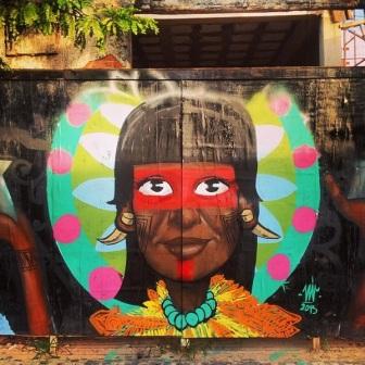 Grafite no 104, na Praça Ruy Barbosa. Fotografado por Guilherme Ávila e publicado originalmente em dezembro/2013 em seu Instagram: http://instagram.com/guilherme_avila