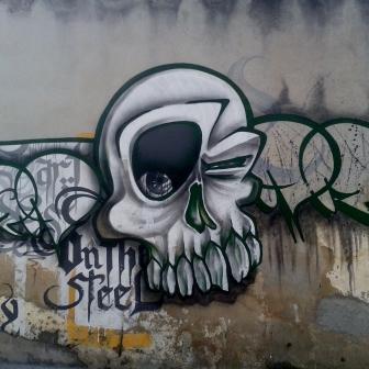 Grafite em rua ainda sem nome, perto da rua Monte Alegre, no bairro Serra. Foto tirada por Beto Trajano em 21.8.2014.