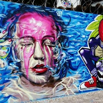 Grafites na av. Cristóvão Colombo, quase com Tomé de Souza. Foto: CMC, em 16/2/2016