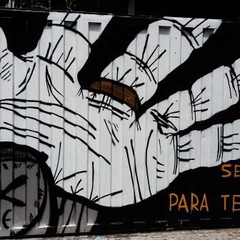 Grafite na av. Cristóvão Colombo, quase com Tomé de Souza. Foto: CMC, em 16/2/2016