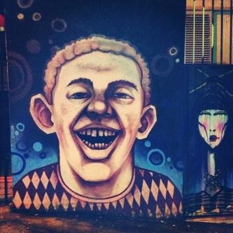 Grafite na av. Afonso Pena, 3.000, Savassi. Fotografado por Guilherme Ávila e publicado originalmente em dezembro/2013 em seu Instagram: http://instagram.com/guilherme_avila