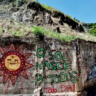 Na avenida Bandeirantes, Mangabeiras. Fotografado por CMC em 7.4.2014.