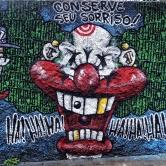 Grafite no muro da Escola Estadual Augusto de Lima, na av. do Contorno, São Lucas, Centro-Sul de BH. Em foto tirada em 13/12/2014 por CMC.