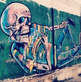 Grafite na estação Horto. Fotografado por Guilherme Ávila e publicado originalmente em seu Instagram, em abril/2014: http://instagram.com/guilherme_avila