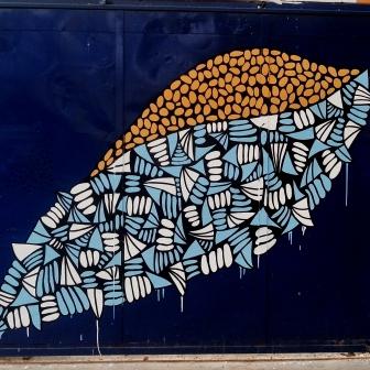 Grafite de Baba Jung na Av. do Contorno, no Santa Efigênia, logo após cruzamento com a rua Major Barbosa. Fotografado por CMC em 13.4.2014.