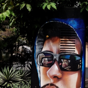 Grafite de Viber (uma das Minas de Minas), na mesma esquina. Fotografado por CMC em 13.4.2014.