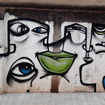 Grafite de Ramar em rua aberta recentemente, a partir da rua Monte Alegre, ainda sem nome, no Serra. Fotografado por CMC em 13.4.2014.