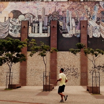 Arte de rua na av. do Contorno quase esquina com Prudente de Morais. Foto tirada por CMC em 8.11.2014.