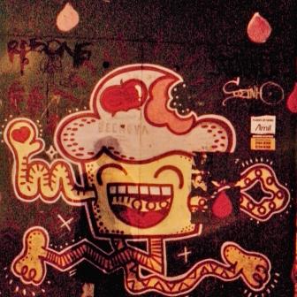 Grafite na rua dos Inconfidentes com avenida Getúlio Vargas. Foto tirada por CMC em 12.11.2014.