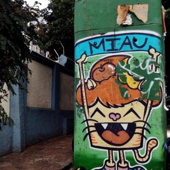 Grafite de Maria Raquel Bolinho na rua dos Inconfidentes com Professor Moraes, Savassi, Centro-Sul de BH. Foto de CMC em 10.12.2014