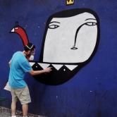 Muzai grafitando na av. Cristóvão Colombo, perto do café Status, na Savassi. Fotografado por CMC em 4.1.2015