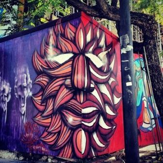 Grafite na praça da Estação. Fotografado por Guilherme Ávila e publicado originalmente em dezembro/2013 em seu Instagram: http://instagram.com/guilherme_avila