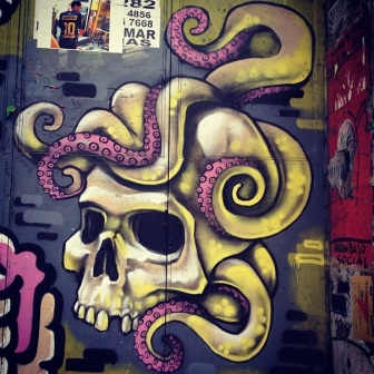 Grafite no Restaurante Fino Gosto, na rua da Bahia, 646, Centro. Fotografado por Guilherme Ávila e publicado originalmente em setembro/2013 em seu Instagram: http://instagram.com/guilherme_avila