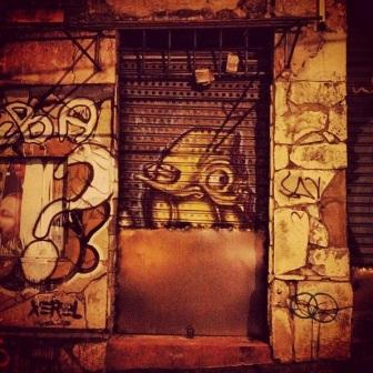 Grafite no viaduto Santa Tereza. Fotografado por Guilherme Ávila e publicado originalmente em outubro/2013 em seu Instagram: http://instagram.com/guilherme_avila