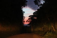 Caminho de volta pela estrada de terra de 8km do Pico Agudo para Pinhal. Foto: CMC