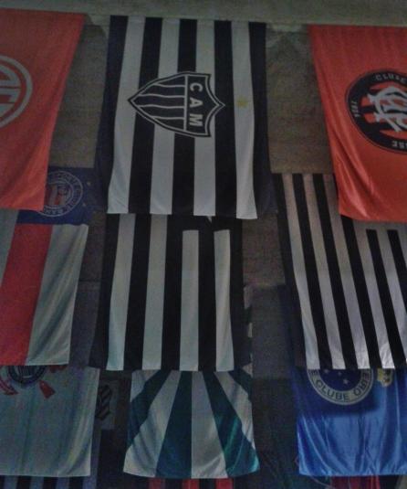A bandeira do Galo à frente de todas no Museu do Futebol. Fotos desta galeria: CMC