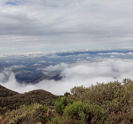 Panorâmica da vista do Pico do Itapeva.