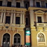 Panelinhas também se reuniam nos prédios ao redor