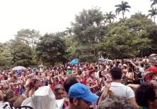 Carnaval 2015: Vista geral do bloco e da multidão na Praça da Liberdade. Foto: CMC