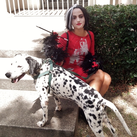 A Cruella eu até persegui só para fotografar, de tão legal que achei ela ter ido com um Dálmata! :D Foto: CMC