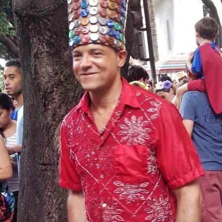 Só achei o chapéu de tampinhas muito legal! Foto: CMC