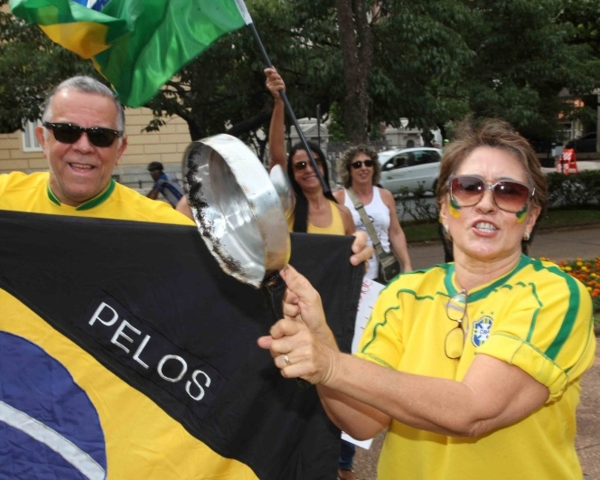 Camisa da CBF contra corrupção... Foto: Marcelo SantAnna / Fotos Públicas
