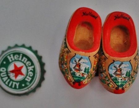 Mais Holanda: sapatinhos típicos e a Heineken. Foto: CMC, em 27/3/2015
