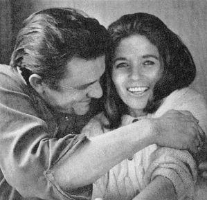 Johnny Cash and June Carter Cash na vida real, em 1969, um ano depois de finalmente se casarem. Foto: Joel Baldwin (domínio público)