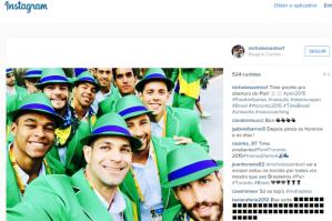Na cerimônia de abertura do Pan-Americano, TODOS os atletas brasileiros estavam de celular na mão, fazendo selfies. Impressionante!