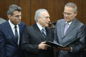 O trio da pesada Romero Jucá, Michel Temer e Renan Calheiros, todos do PMDB. Foto: Fabio Rodrigues Pozzebom/Agência Brasil