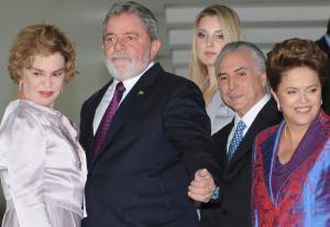 Marisa, Lula, Marcela Temer, Michel Temer e Dilma, em foto de dezembro de 2010 feita por Renato Araujo/ABr.
