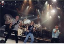 """Deep Purple, a que assisti duas vezes. Nesta foto, turnê de """"Bananas"""" em setembro de 2003, no Mineirinho, Belo Horizonte. (Cortesia, ganhei de promoção)"""