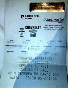 Showzaço do Creedence! O vocalista gordão tinha a voz melhor que a do Fogerty! Chevrolet Hall, Beagá, maio de 2006. (R$ 50 a meia)