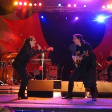 Terceira vez que vi Mutantes, já com outra vocalista. Virada Cultural, av. São João, São Paulo, abril de 2008. (Grátis!)