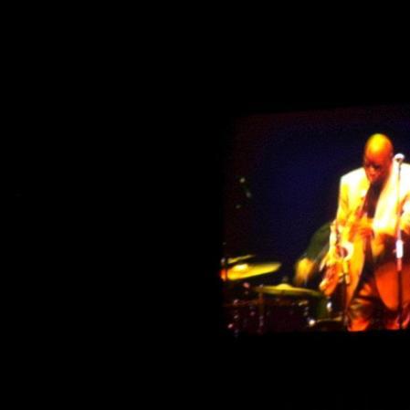 Grande Maceo Parker, que tocou com Fred Wesley e Pee Wee Ellis no BMW Jazz Festival. Via Funchal, São Paulo, junho de 2012. (R$ 30) (https://kikacastro.wordpress.com/2012/06/06/um-festival-para-quem-curte-jazz/). Vi este sozinha.