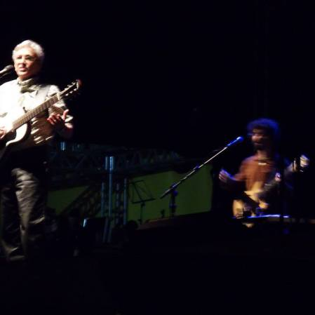 Gênio Caetano Veloso! No Natural Musical, em BH! Com Beto Trajano, Viviane Moreno e Affonsinho Heliodoro ! Em 4/8/2013, grátis. Mais detalhes: https://kikacastro.wordpress.com/2013/08/05/paulinho-da-viola-e-caetano-veloso-shows-inesqueciveis/