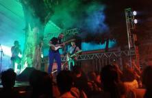 BH Jazz & Blues edição de Primavera, na praça da Savassi, em 19.9.2015. Affonsinho Heliodoro tocando blues com Frederico Heliodoro. Com Beto Trajano e Urian Vieira. De graça. Mais: https://kikacastro.com.br/2015/09/15/novo-cd-de-blues-para-download-gratuito/