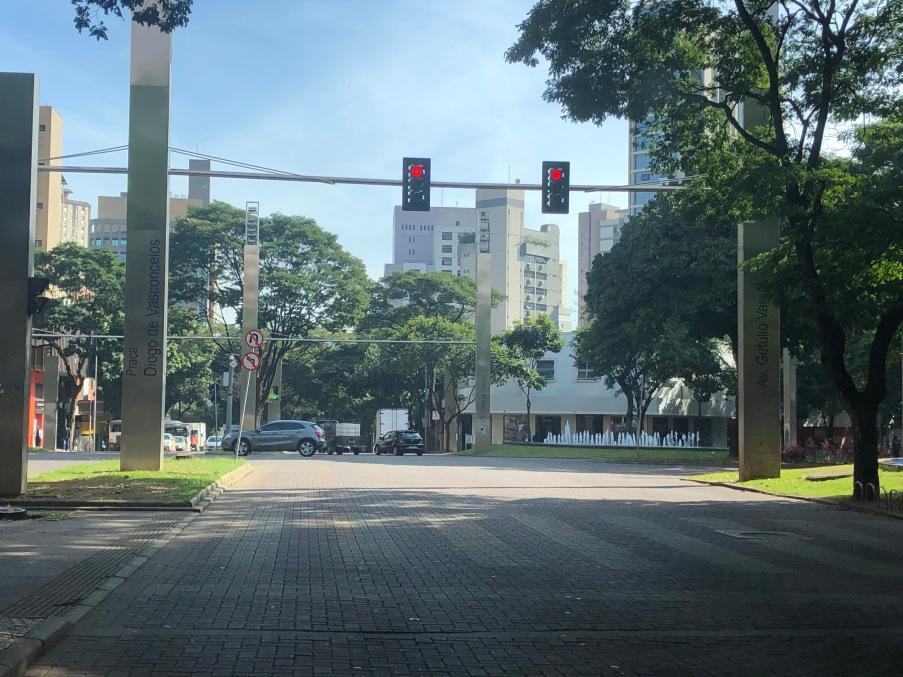 Praça da Savassi vazia. Todas as fotos: Cristina Moreno de Castro